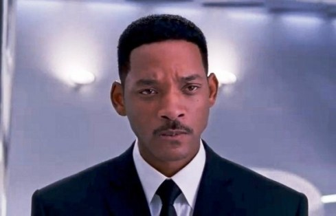 Will-Smith-Men-In-Black-3-1-585x376